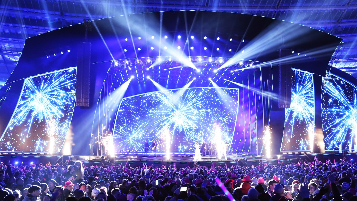 Prawie 2,4 mln widzów wzniosło noworoczny toast z Polsatem