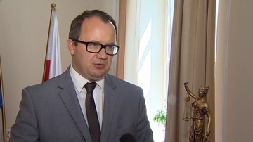 Jak przypinki noszone przez uczniów mogą naruszyć porządek publiczny? Kancelarię Sejmu pyta Rzecznik Praw Obywatelskich