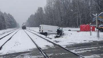 Zderzenie busa z pociągiem. Tragiczny wypadek na Podkarpaciu
