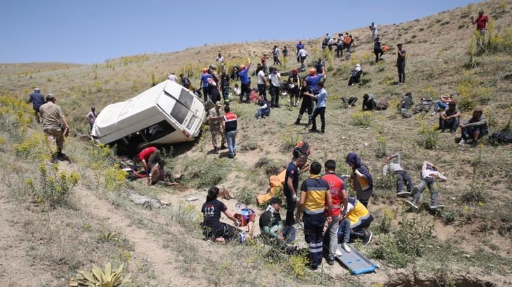 Wypadek minibusa z migrantami w Turcji. Zginęło 15 osób