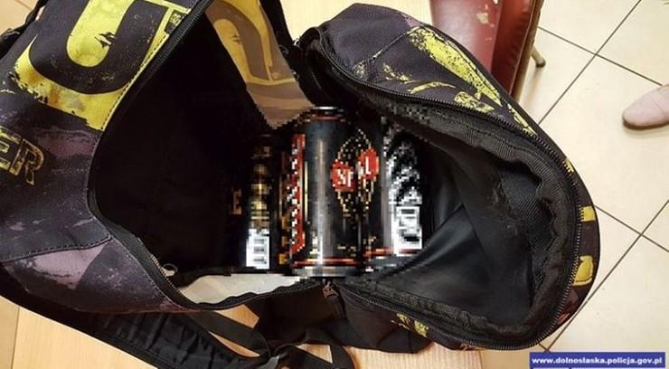 Puszki zapakowali do plecaka i uciekli. 11-latek i 12-latka kradli alkohol w sklepie