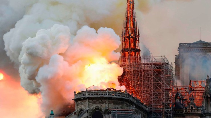 """O Notre Dame na rozdaniu """"architektonicznych Nobli"""". """"Zostanie odbudowana dla nas wszystkich!"""""""