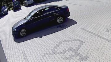 """Kradzież Audi zajęła mu kilka sekund. """"Nikt nie zorientował się, że doszło do włamania"""" [WIDEO]"""