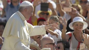 Papież chce odwiedzić miejscowości zdewastowane przez trzęsienie ziemi