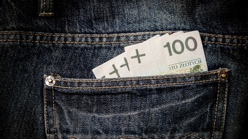 GUS: przeciętne miesięczne wynagrodzenie w czerwcu - 4508 zł. Eksperci: pensje będą rosły