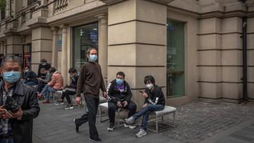 """Chińczycy niechętni wobec przyjezdnych. Efekt lęku przed """"importowanymi"""" zakażeniami"""