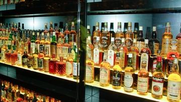 Radna ukradła whisky, sama działała w komisji ds. problemów alkoholowych