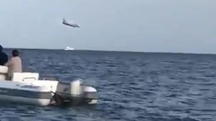 Myśliwiec włoskiego lotnictwa runął do morza na oczach tysięcy ludzi