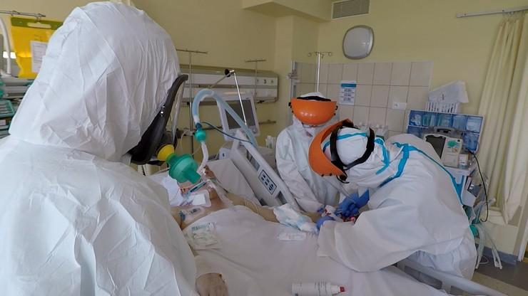 Koronawirus nie słabnie. W Polsce przybywa zakażonych i zmarłych
