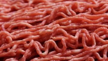 W Czechach wykryto salmonellę w wołowinie z Polski. Trwa ustalanie, gdzie trafiło mięso