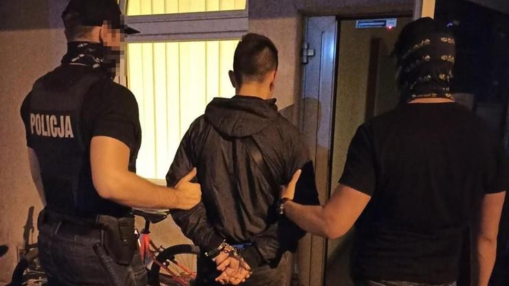 Bydgoszcz. 16-latek uciekał samochodem przed policją. Był na przepustce i miał przy sobie narkotyki