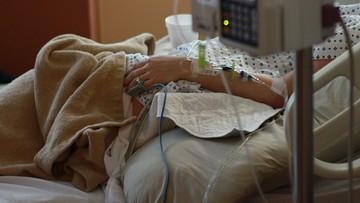 """61-latka zażyła leki i zgodnie z prawem zakończyła życie. Gdy umierała """"w tle leciał David Bowie"""""""