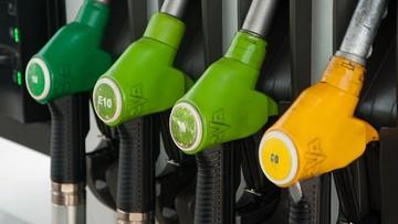 Dostarczali na stacje benzynowe paliwo niewiadomego pochodzenia. CBŚP zatrzymało pięć osób
