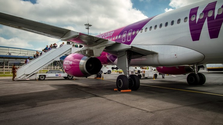 """Wizz Air kasuje część tras z Polski. Linie """"poszukują nowych rozwiązań"""""""