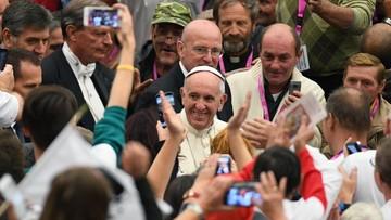 Papież odwiedził ubogich i bezdomnych. Mówił o solidarności