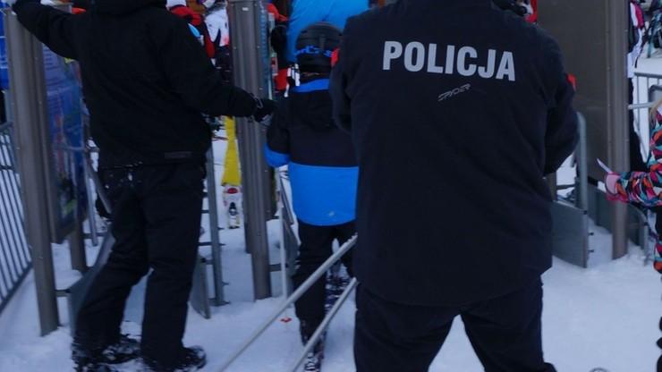 W Szczyrku pijany instruktor narciarski szkolił 5-latka. Puste butelki wyrzucał do lasu