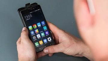 Zakaz handlu w niedziele może uderzyć w użytkowników smartfonów
