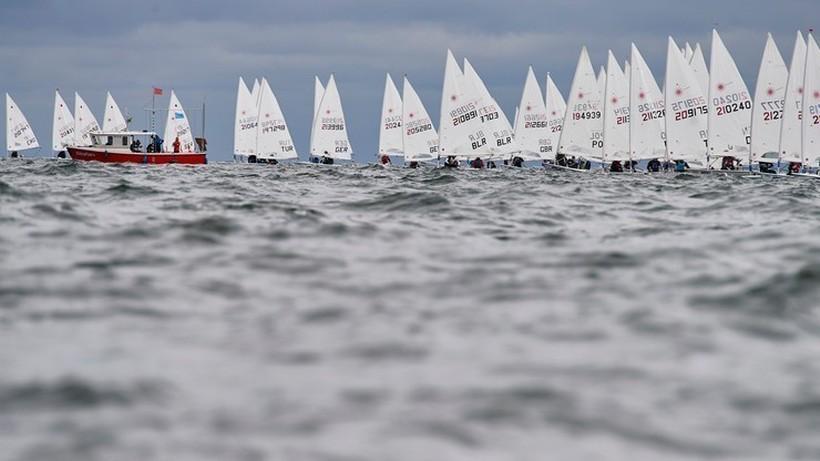 Brytyjczyk obronił mistrzostwo olimpijskie z Rio de Janeiro w żeglarskiej klasie finn