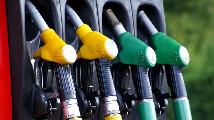 Ceny paliw powinny spadać. Analitycy oczekują obniżek cen detalicznych