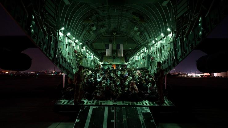 Z Afganistanu ewakuowano blisko 59 tys. osób. Część państw apeluje do USA by wydłużyć ewakuacje