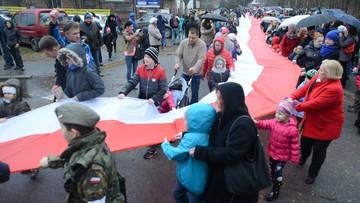 Najdłuższa flaga Polski ma ponad kilometr długości