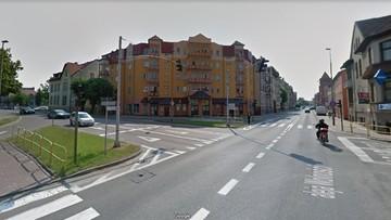Gmina Lębork winna spowodowania wypadku. Przez wiele lat tolerowała źle działające światła na skrzyżowaniu