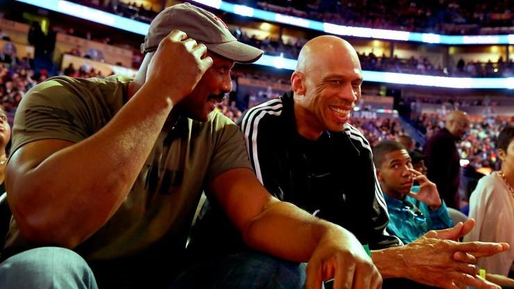 NBA: Abdul-Jabbar sprzedał pamiątki warte krocie, by pomóc dzieciom