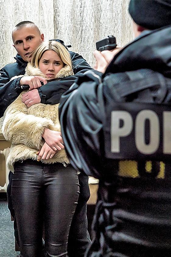 """""""Policjantki i Policjanci"""" - odcinek 752: Czyje to dziecko?"""
