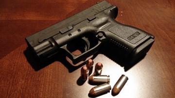 Trudniejszy dostęp do broni na Florydzie. Narodowe Stowarzyszenie Strzeleckie protestuje
