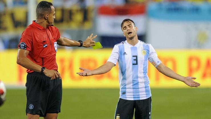 Argentyńscy piłkarze próbowali przeszmuglować sprzęt za 25 tysięcy dolarów?
