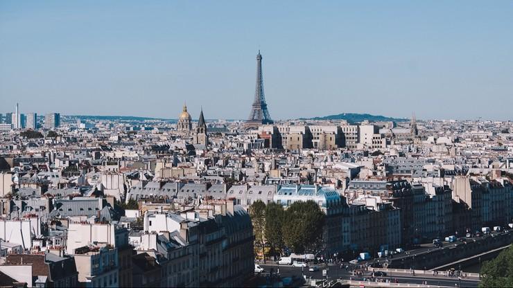 Paryżowi grozi paraliż komunikacyjny. Sieć transportu proponuje przemieszczanie się hulajnogą