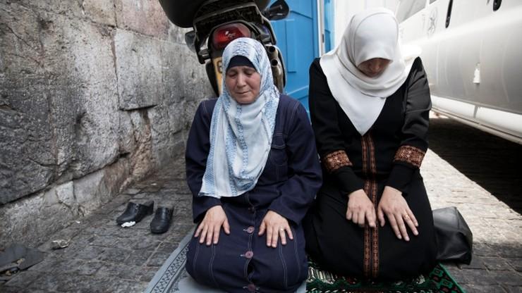 Duchowni wzywają muzułmanów do powrotu na Wzgórze Świątynne
