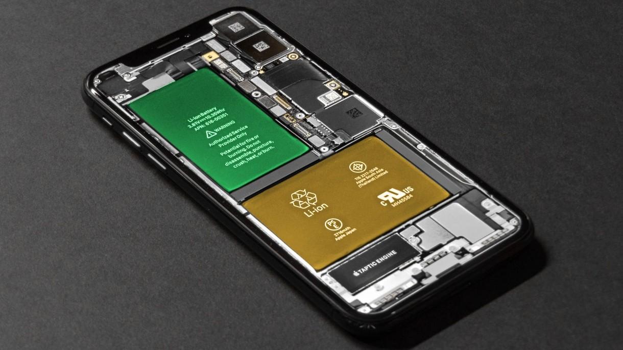 Nowe smartfony od Samsunga będą miały znacznie mniejsze baterie. Będzie afera?