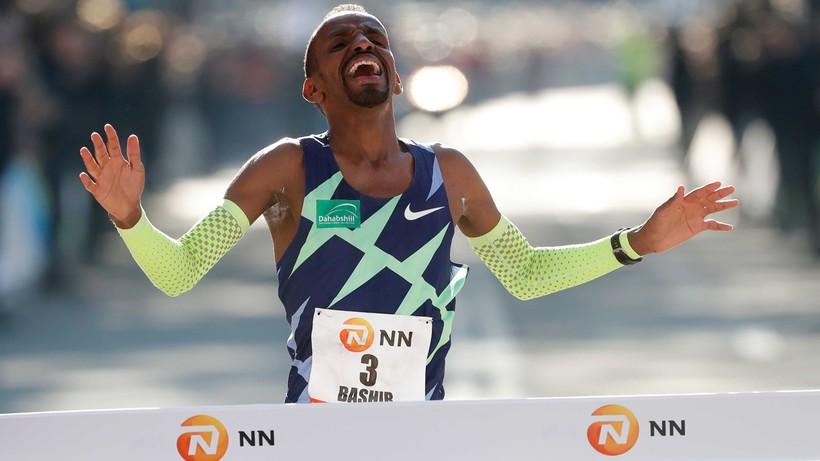Maraton w Rotterdamie: Rekord Europy Bashira Abdiego