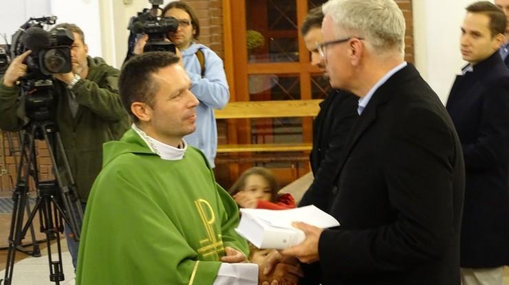 Ksiądz krytykował prezydenta Poznania, odprawił za niego mszę. Jaśkowiak przyszedł