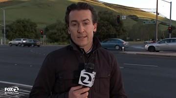Reporter w ostatniej chwili uciekł sprzed kół samochodu. Był na wizji