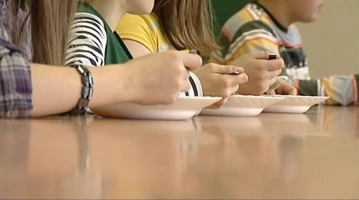 Zdrowe jedzenie w szkołach. Jest projekt ministerstwa