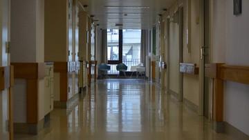 Brzeg: kobieta zmarła podczas porodu. Jedno z bliźniąt nie żyje