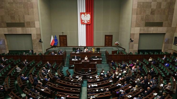 """""""Piątka dla zwierząt"""" do komisji rolnictwa. Sejm zdecydował"""