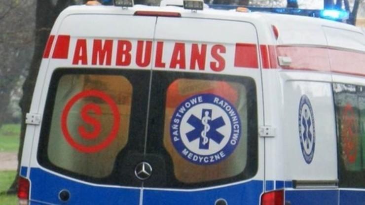 Zderzenie karetki z ciężarówką. Zmarł kierowca ambulansu