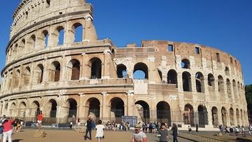 Sprzedawał zużyte bilety autobusowe jako karty wstępu do Koloseum. Włoskie media ostrzegają turystów
