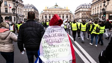 """Francja: trzech mężczyzn z ruchu """"żółtych kamizelek"""" zatrzymanych za """"egzekucję"""" postaci Macrona"""