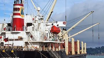 Marynarze zakażeni, jedna osoba nie żyje. Statek był wcześniej w Polsce