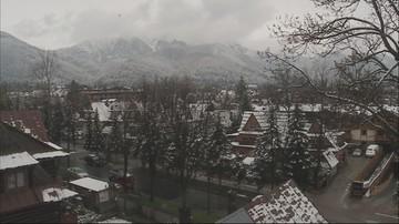 W góry wróciła zima. W Zakopanem spadł śnieg, zagrożenie lawinowe w Tatrach i w Beskidach
