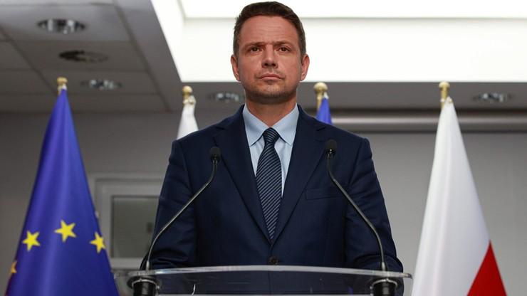 Przez ulewy Trzaskowski zmienia kampanijne plany