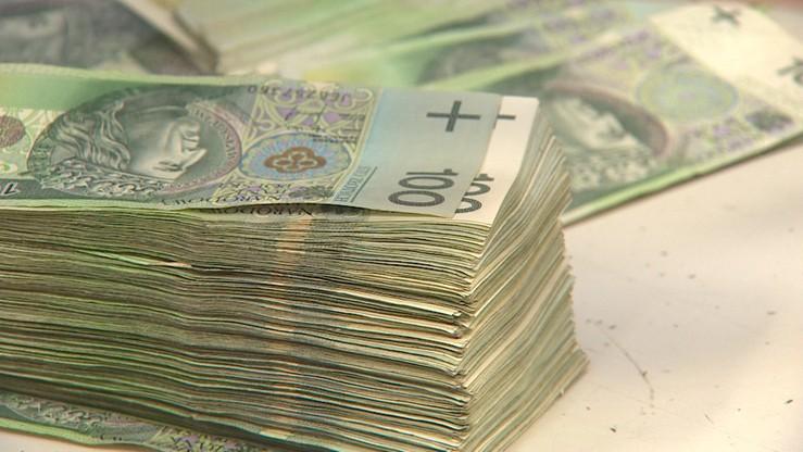 Proponował policjantom 150 tys. zł łapówki. Mówił, że ma pieniądze, bo... dokonał wielu oszustw