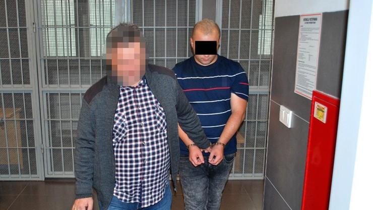 Ukradł ze sklepu 35 butelek alkoholu. Pomagał mu kolega pracujący na kasie