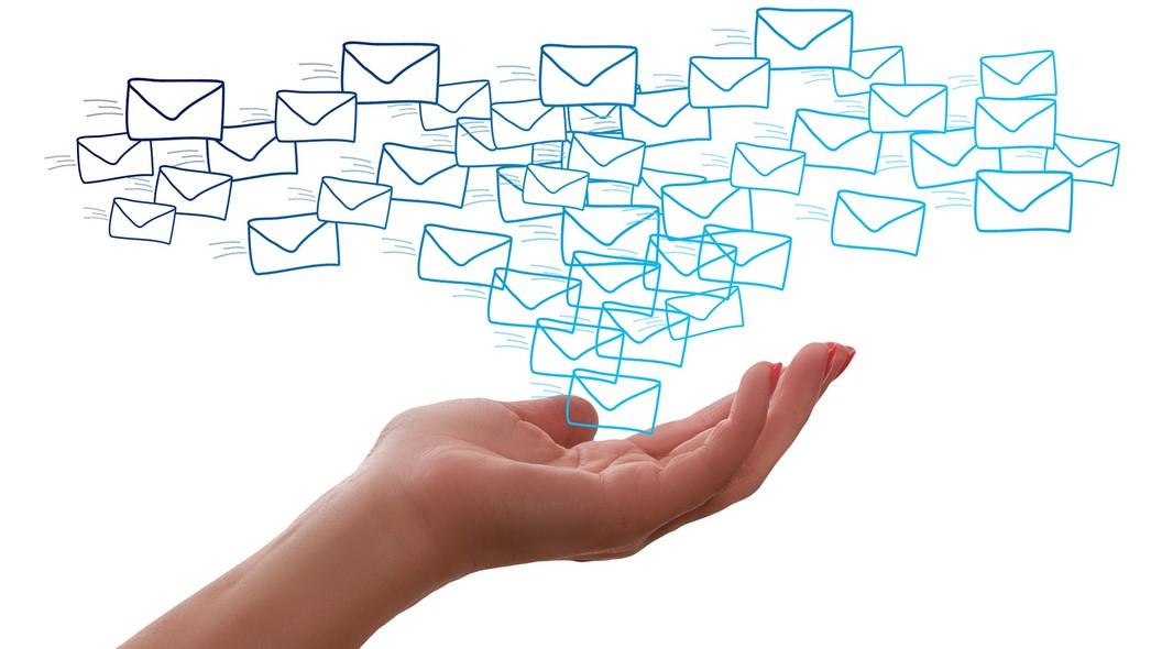 Jaki ślad węglowy ma e-mail i dlaczego warto kasować stare wiadomości?