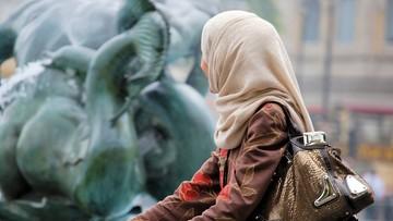Bo nie chciała nosić hidżabu. Matka ogoliła 14-latkę na łyso