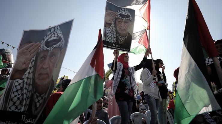 Palestyńczycy na marszu niepodległości. Organizatorzy - było 100 tys. ludzi
